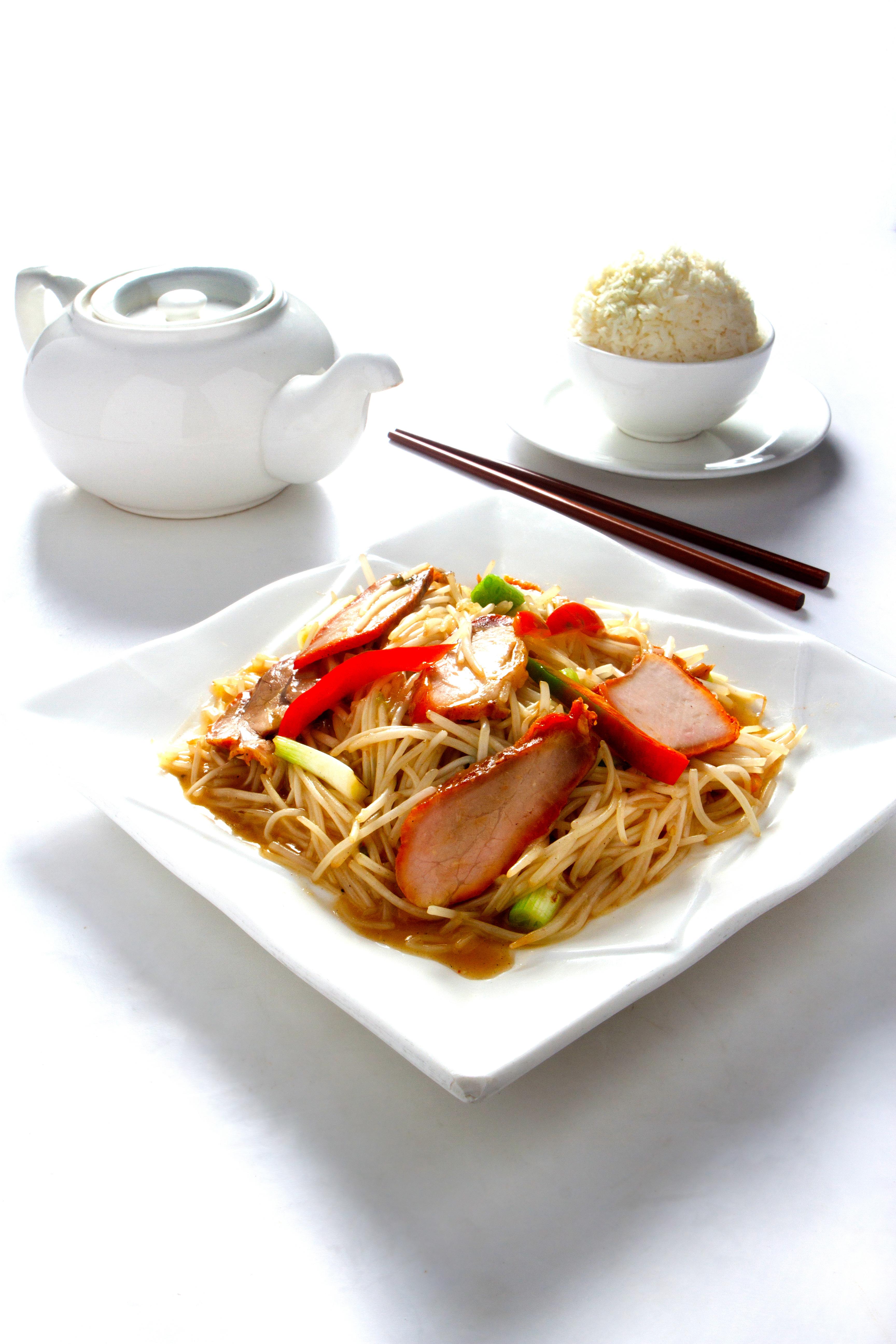 Deliciosa carne de chancho salteada con frejolito chino.